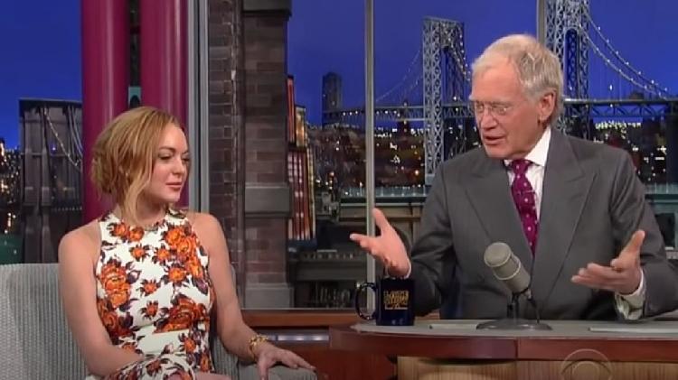 Humillan a Lindsay Lohan en entrevista, piden justicia (VIDEO)
