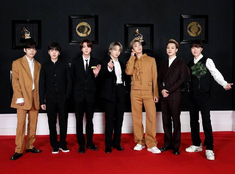 Fans de BTS llaman racistas a los Grammys (FOTO)