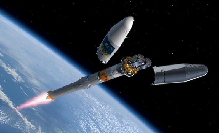Advierten al mundo de cohete que gira sin control (VIDEO)