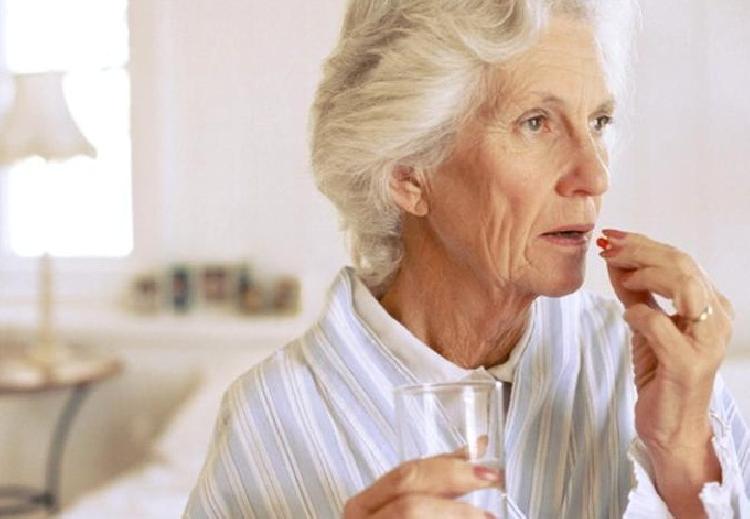 Aprueban nuevo medicamento para el Alzheimer después de 20 años