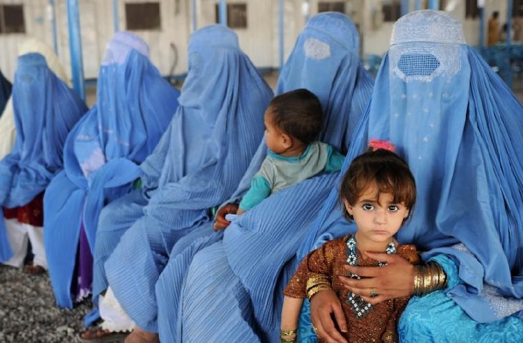 México abre sus puertas para mujeres y niños de Afganistán