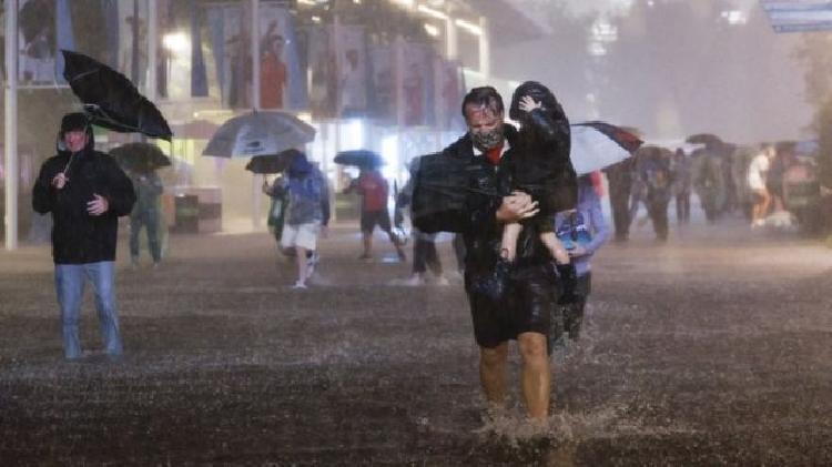 Lluvias en Estados Unidos cobran la vida de 23 personas (VIDEO)