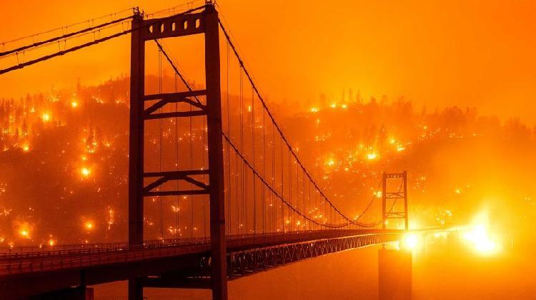 Infierno en la tierra, incendios tiñen de rojo a San Francisco (VIDEO)