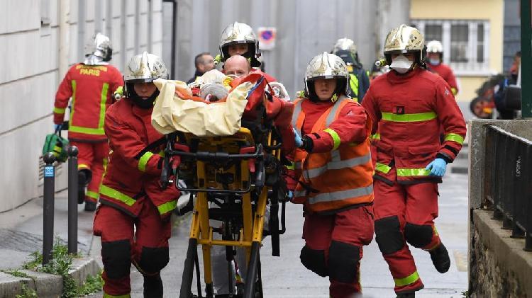 Ataque en París deja 2 heridos