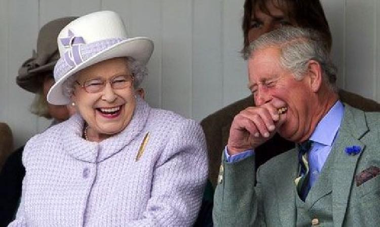 Reina Isabel aparece sin cubrebocas en público creando controversia (FOTO)