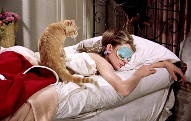 ¿Batallas para dormir estos días? Te decimos 10 maneras de solucionarlo