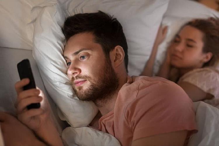 Aumentan infidelidades en cuarentena ¿es tu caso?